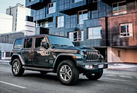 Тест-драйв Jeep Wrangler Unlimited Sahara. Танки в городе